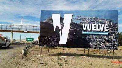 ¿Vuelve Cristina? La historia detrás del cartel plantado en Comodoro Rivadavia