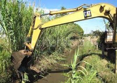 El municipio trabaja en la limpieza de canales y zanjones