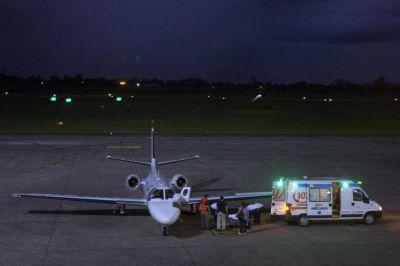 Desde que asumió Manzur, hubo más del doble de vuelos oficiales que sanitarios