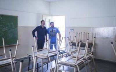 El Intendente Abella supervisó las obras en la Escuela 16 de Campana
