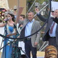 Cornejo dio el tradicional golpe de reja en la Bendición de los Frutos