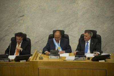 Manzur abrirá el año legislativo entre anuncios y un balance