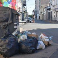 Un feriado largo con muchos residuos en la calle