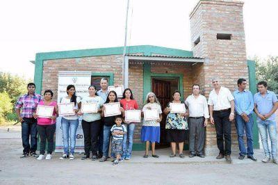 Se inauguraron viviendas sociales en Villa Nueva
