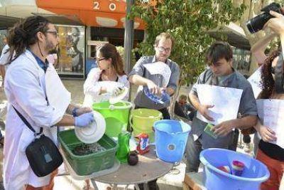 Científicos locales protestaron contra los recortes presupuestarios
