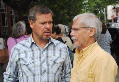 Concejales kirchneristas presentes para expresarle su apoyo y solidaridad a los abuelos