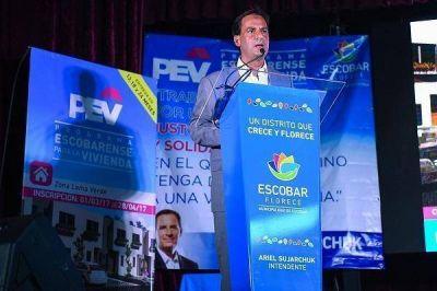 Ariel Sujarchuk presentó el PEV