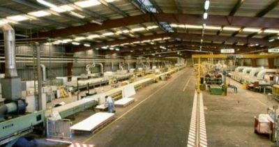 Por las importaciones y la caída de las ventas, la maderera Fiplasto adelantó vacaciones