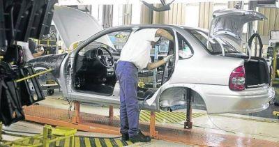 General Motors se suma a la caída y suspende 350 empleados por 9 meses