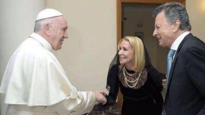 Palito Ortega y Evangelina Salazar renovaron sus votos matrimoniales ante el papa Francisco