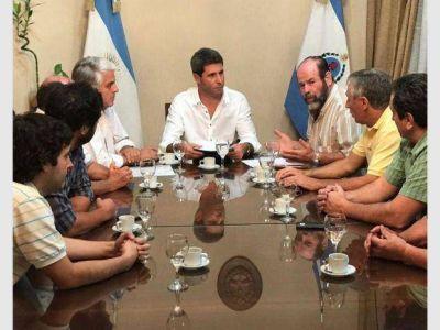 Uñac tuvo que viajar a Mendoza para reunirse con Cornejo por el acuerdo del mosto