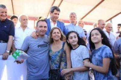 Más de 100 familias recibieron su vivienda propia de manos de Uñac