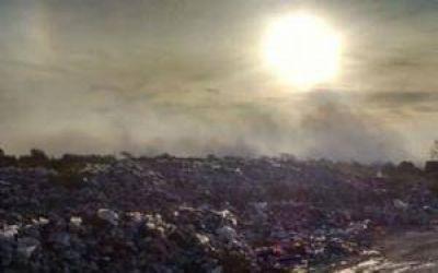 El fuego interminable, otra vez arde el basural de Carlos Paz