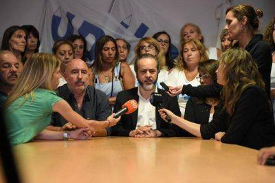 Los docentes porteños también ratificaron que van al paro