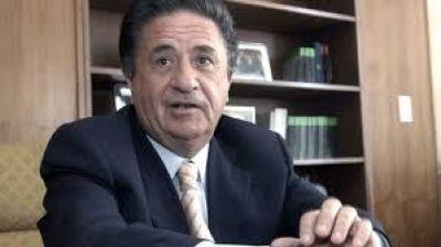Duhalde le va a disputar a Gioja la presidencia del PJ