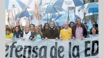 Gobierno porteño llamó a gremios docentes una nueva reunión paritaria