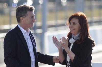 Encuesta playera: Macri se hizo fuerte en Mar del Plata y Cristina lidera en el Conurbano