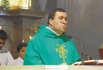 El sacerdote de Itatí que tuvo que irse por los aprietes narco