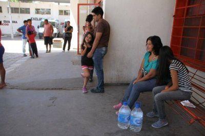 El Gobierno repartió más de 34 mil botellas de agua en Caucete