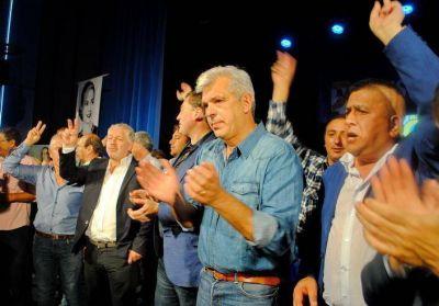 Julián Domínguez convertido en abanderado de la unidad peronista sin dedocracia