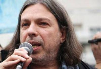 Universitarios denuncian campaña del Gobierno