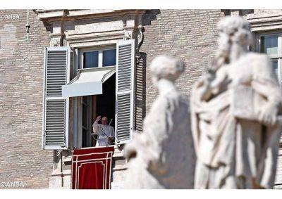 """El Papa después del Ángelus: """"Oren por mí y por mis colaboradores de la Curia Romana"""""""