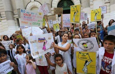 En respuesta al paro, Vidal impulsa duras sanciones contra los gremios docentes