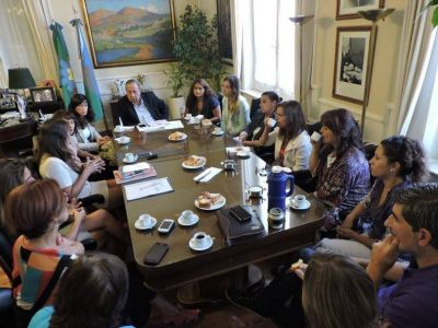 Con funcionarias, Lunghi analizó los alcances de las políticas de género