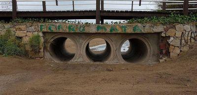La comuna limpió el desagüe pluvial del paseo 115 y playa