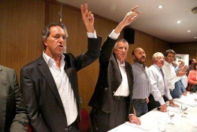Scioli salió a reclamar internas para la pulseada con Randazzo