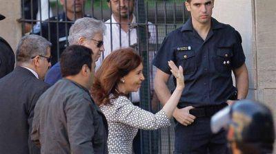 Cristina Kirchner dejó un escrito ante Bonadio y no contestó preguntas