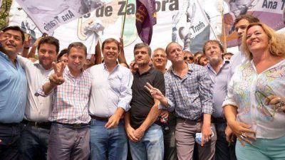 Intendentes y otros políticos marchan con la CGT