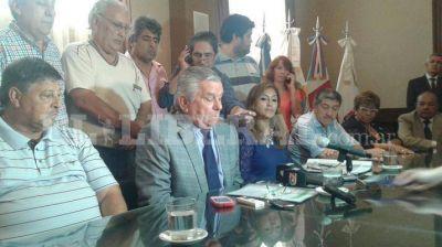 Infante anunció un aumento salarial del 20% para los municipales