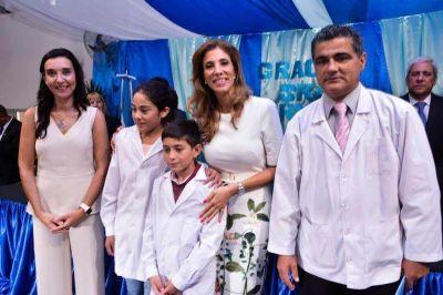 """La Gobernadora entregó premios a las escuelas que participaron del programa """"Plantando Futuro"""""""