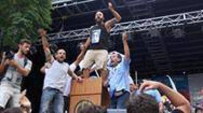 Los disturbios revelaron las debilidades y las grietas en la central obrera