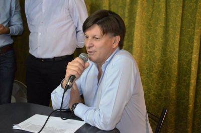 """Riccardo afirmó que los paros y las movilizaciones forman parte de """"una interna política"""""""