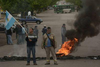 Municipales amenazan con paro si no mejoran oferta