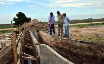SAN CAYETANO: Gargaglione en la obra de repavimentación de la RP Nº 75