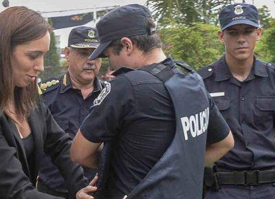 Por retraso salarial, la policía prepara una protesta frente al ministerio