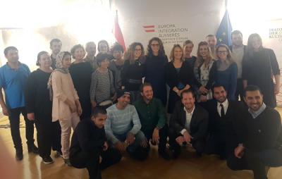 Judíos austríacos ayudan a refugiados musulmanes