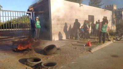 Segunda jornada de piquetes y bloqueos de ATE Neuquén en toda la provincia
