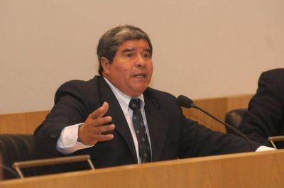 Alfaro echó a tres funcionarios, tras perder la mayoría del Concejo