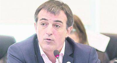 Macri apela a la archinémesis de Baradel y negocia paro CGT light