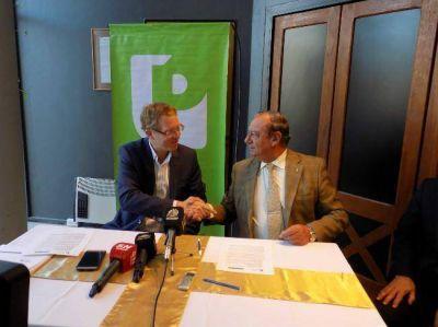 Firmaron convenio por microcréditos con el Banco Provincia