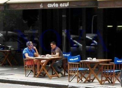 Distendido, Randazzo toma café con su secretario en la Capital bonaerense