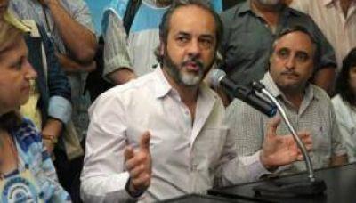 López confirmó que los docentes pararán el miércoles y el jueves
