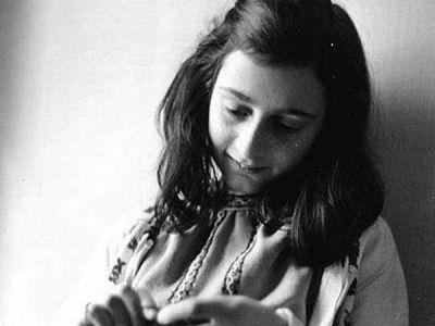 Hoy en la historia judía. Se cumplen 72 años de la muerte de Ana Frank