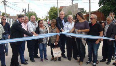Inauguraron obras de pavimentación en Perico