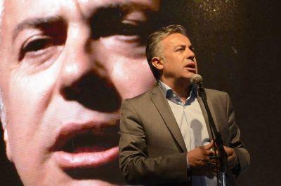 Cornejo aceptó la renuncia de la fiscal acusada de robo