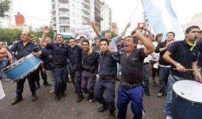 Crece el malestar en la Policía Bonaerense por el retraso salarial